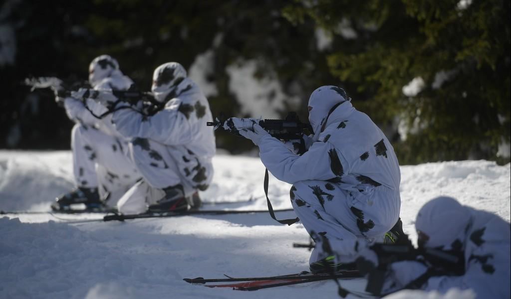 Обука кадета Војне академије у скијању на Копаонику