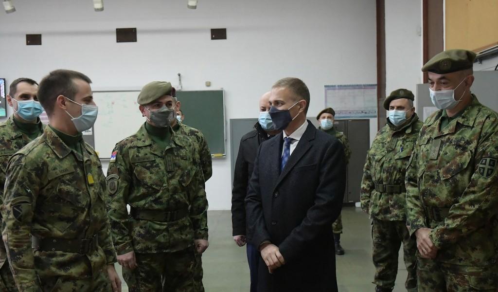 Министар Стефановић обишао Универзитет одбране